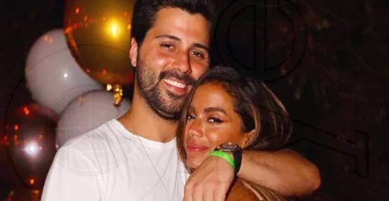 Anitta e o empresário Michel Chetrit