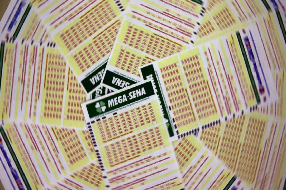 Mega-Sena acumula R$80 milhões