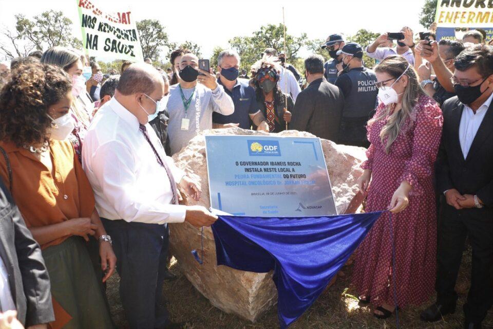 Ibaneis assina ordem de serviço para construção de Hospital Oncológico