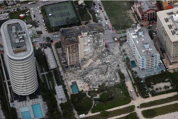 Desabamento em Miami
