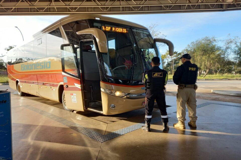 PRF flagra motorista de ônibus sob efeitos de álcool em rodoviária do DF