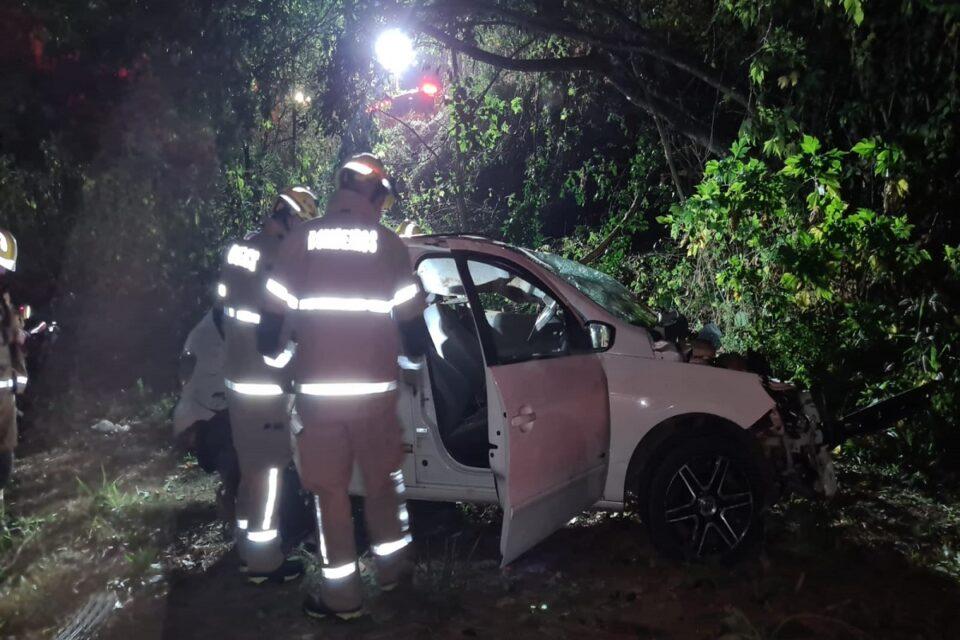 Capotamento de carro deixa uma pessoa ferida na DF-005, no Paranoá
