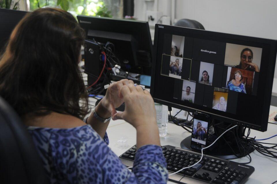 Grupo online de apoio para quem perdeu familiares para Covid-19