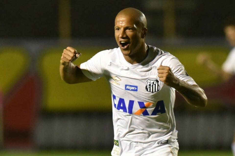 Carlos Sanchez - Santos