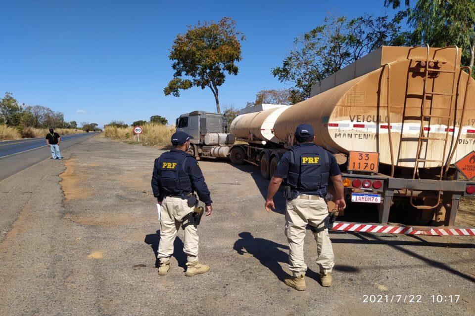 PRF apreende 45 mil litros de combustível com fraude fiscal