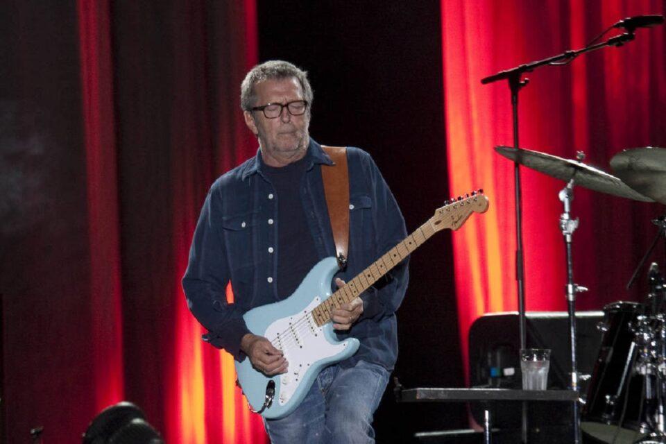 O guitarrista Eric Clapton