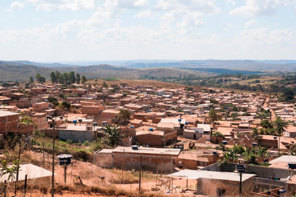 Ibaneis sanciona lei que simplifica regularização fundiária urbana